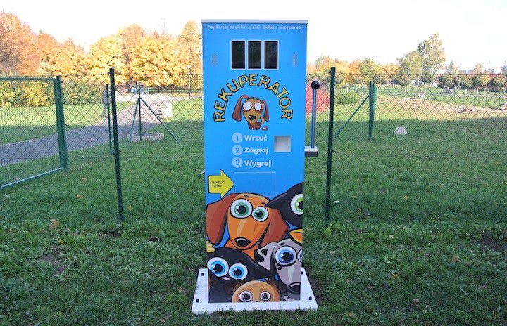 Dog waste bin: Re-poop-erator B